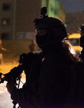 תיעוד: פשיטה צבאית לילית על גנבי רכב
