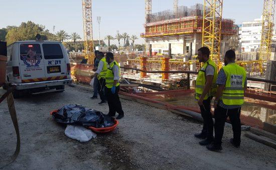 """זק""""א תל אביב: פועל נהרג באתר בנייה בבני ברק"""