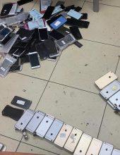 הצעירים ניסו לגנוב עשרות סלולרים – ונמלטו מהשוטרים