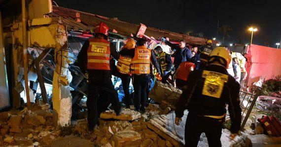 אשדוד: מבנה קרס יש נפגעים