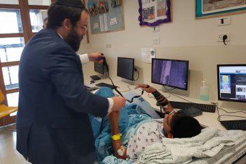 """שליח חב""""ד בהדסה: התפללו על הנער שנפל לבור"""