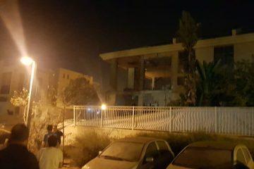 צפו: רגע פגיעת הרקטה בבאר שבע