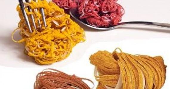 חדש במטבח: ספוג ניקוי העשוי מגלעיני אפרסק ותירס