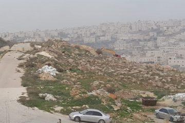 """תיעוד: הפלסטיני פרץ לשטח צה""""ל עם דחפור ענק"""