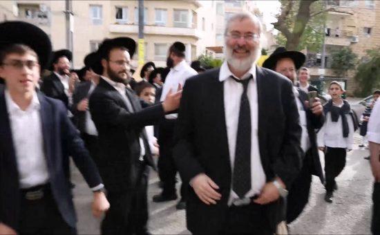 נתי גרוסמן בשחרור ממעצרו