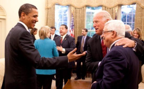 אובאמה וביידן עם אבו-מאזן – צילום: הבית הלבן