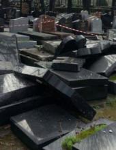רגע לפני המחאה: קברים חוללו