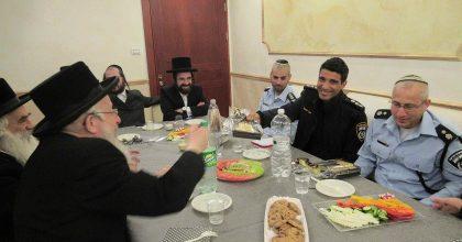 אלעד: המפקדים נפגשו עם הרבנים