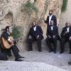 'נחמו' – דודי קנופלר ומקהלת מלכות במבואות ירושלים העתיקה