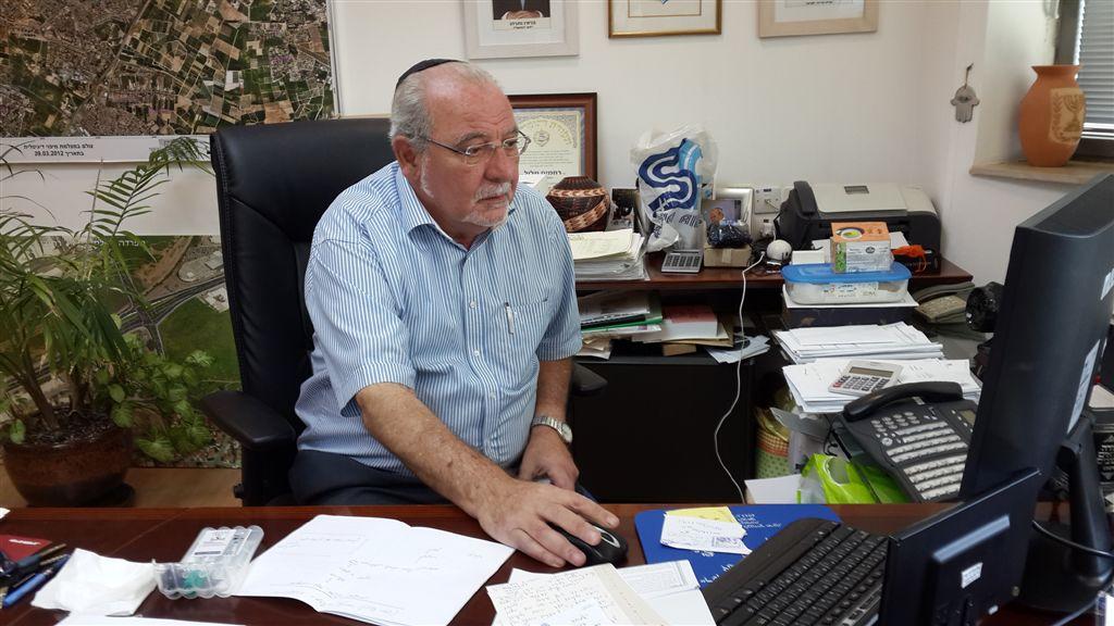 חשש ברחובות: הצעד של ראש העיר מלול מסכן את הרבנות