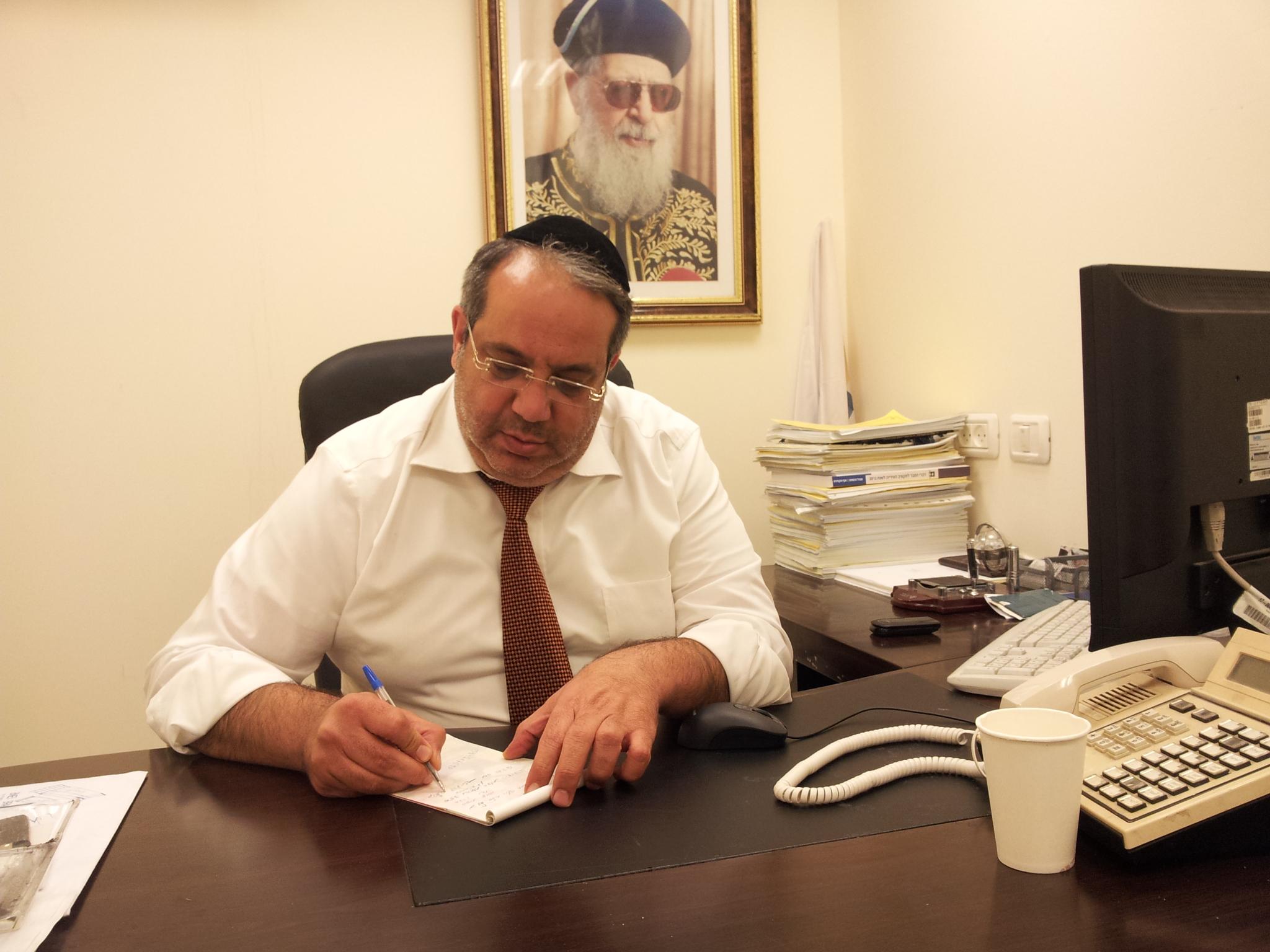 אחרי אשפוז של שבועיים: חבר הכנסת יגאל גואטה שוחרר לביתו