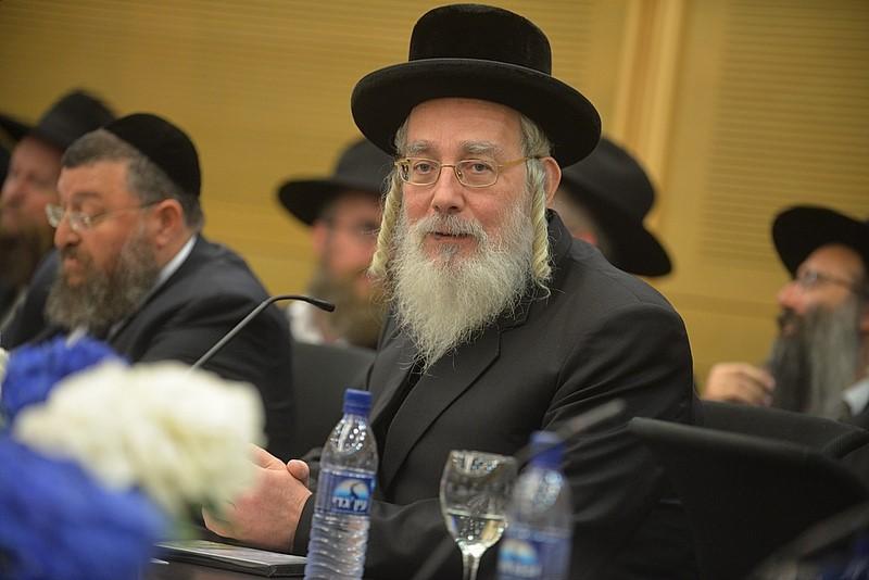 """""""שכר שבת"""": חבר הכנסת ישראל אייכלר מציע פתרון שיקשה על חילולי השבת"""