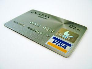 """כרטיסי אשראי כאל – העמלה על רכישות במט""""ח מתייקרת"""