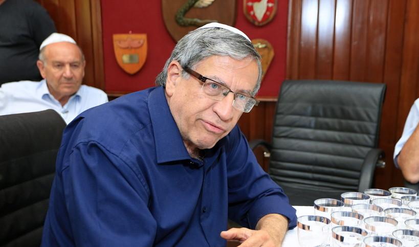 השחיתות המוניציפלית: שוחד מרמה והפרת אמונים, כתב אישום יוגש נגד ראש עיריית רמת גן ישראל זינגר