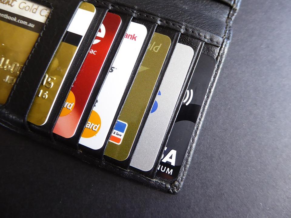 """כל מה שאתם צריכים לדעת על החברות ש""""מגהצות"""" לכם את האשראי"""