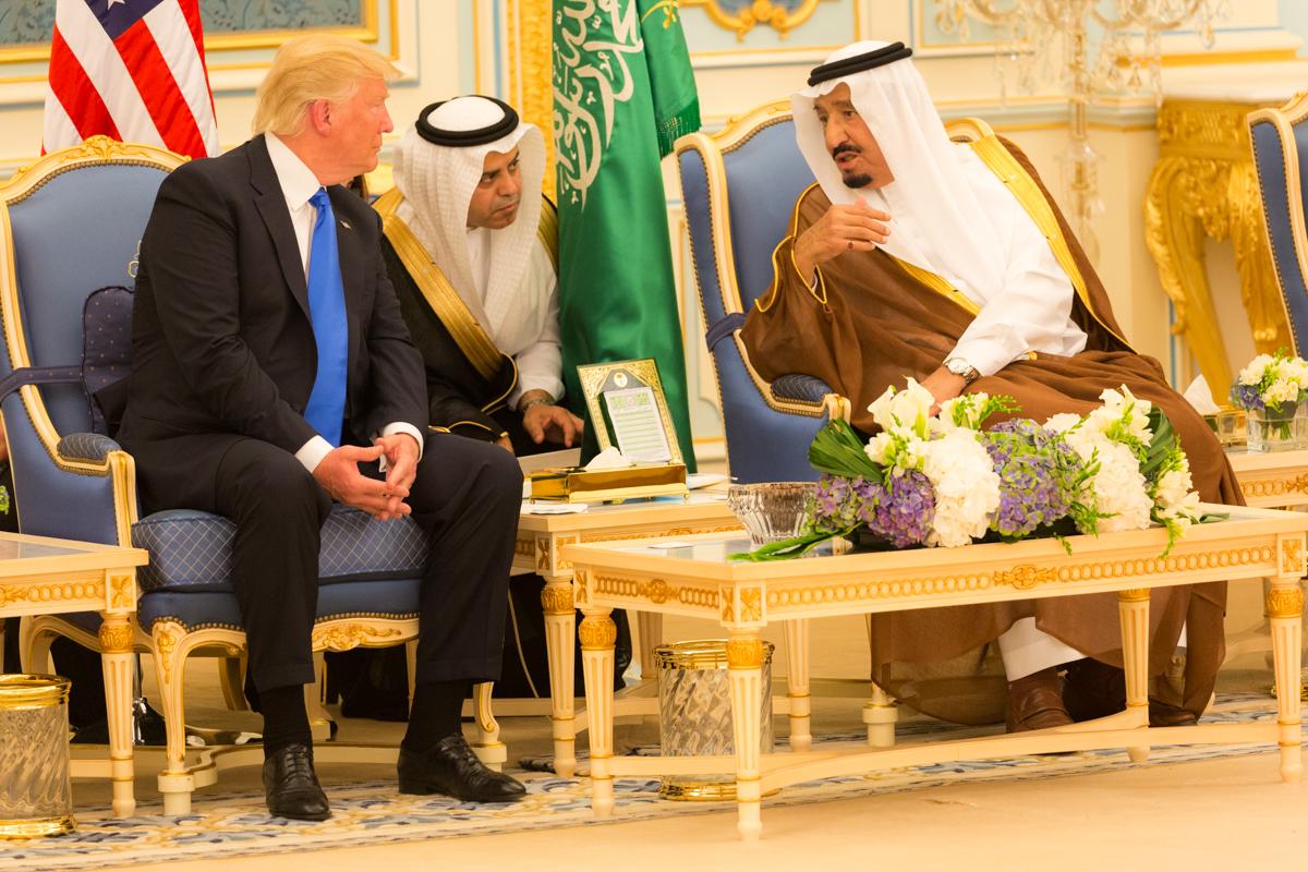 דרמה בסעודיה: המלך הדיח את יורש העצר ומינה תחתיו את בנו