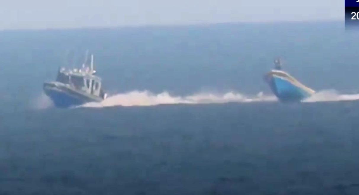 תיעוד: חיל הים הישראלי במרדף ופגיעה ב'דייג' הפלסטיני מוחמד מאג'ד באכר