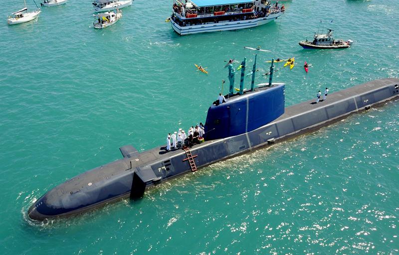 """משט לזכר לוחמי הצוללת אח""""י דקר נערך במפרץ חיפה"""