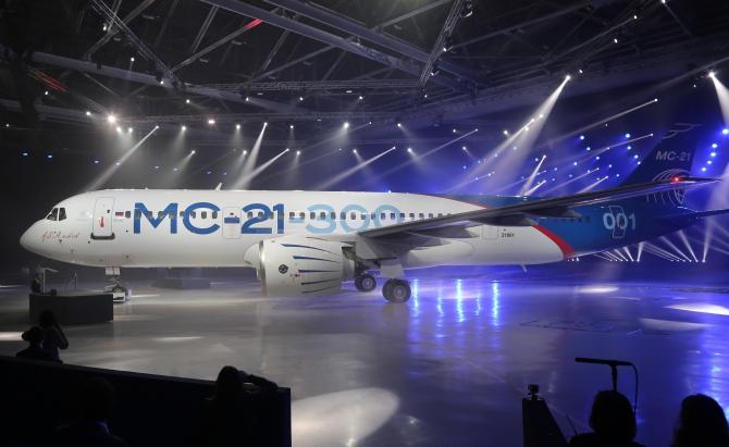 חוזרים להוביל? רוסיה השיקה: מטוס נוסעים חדש • צפו בטיסת המבחן