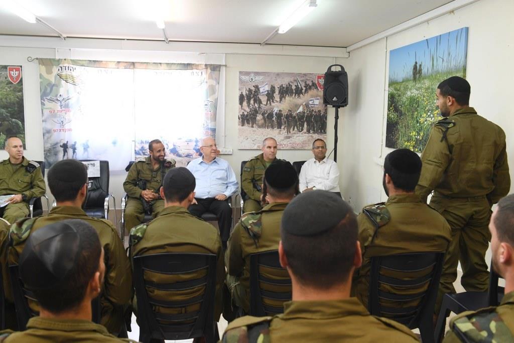 """נשיא המדינה ביקר את חיילי גדוד 'נצח יהודה' בחטמ""""ר בנימין"""