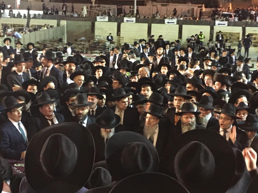 """חזו חזו: אלפי בני התורה בראשות הגרב""""מ אזרחי בכותל"""
