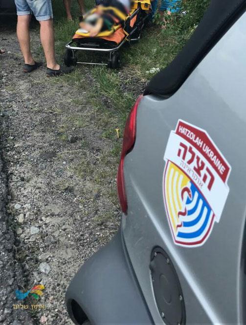 קידוש ה' באוקראינה: החובש החרדי טיפל ברוכב האופנוע שנפגע