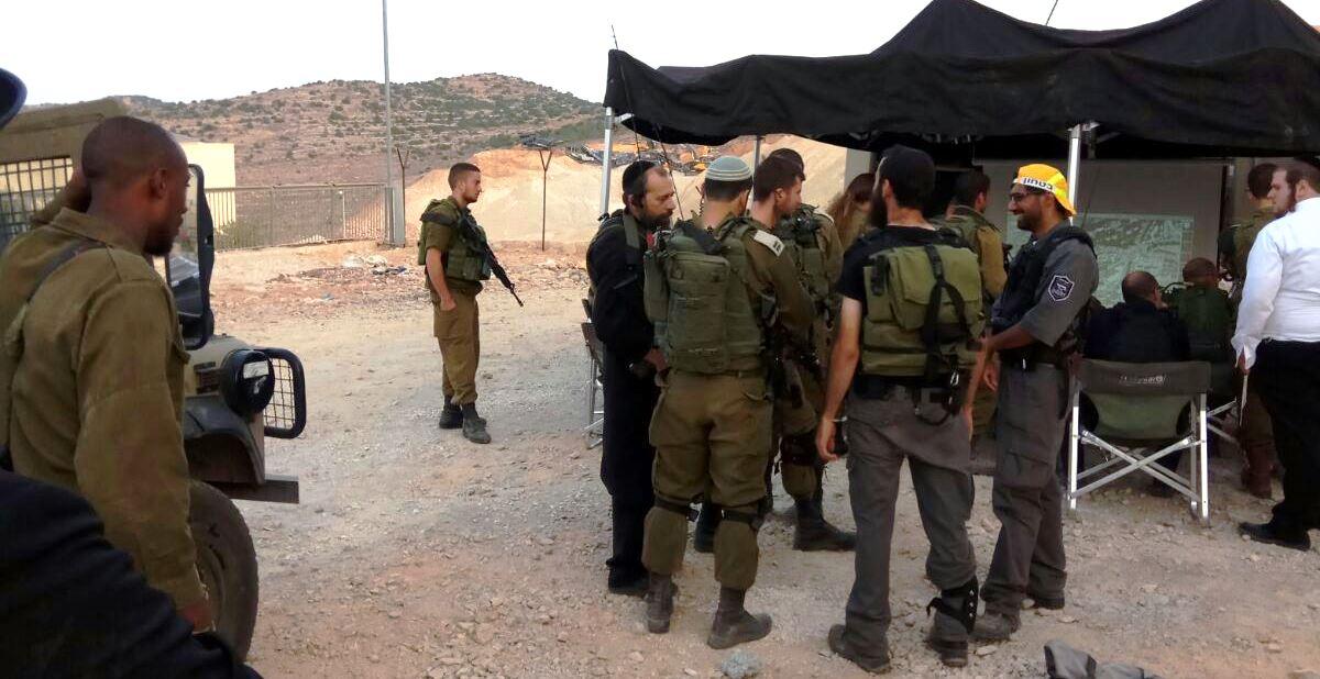 """כוחות צה""""ל פשטו על ביתר עילית: חשש לחדירת מחבל"""