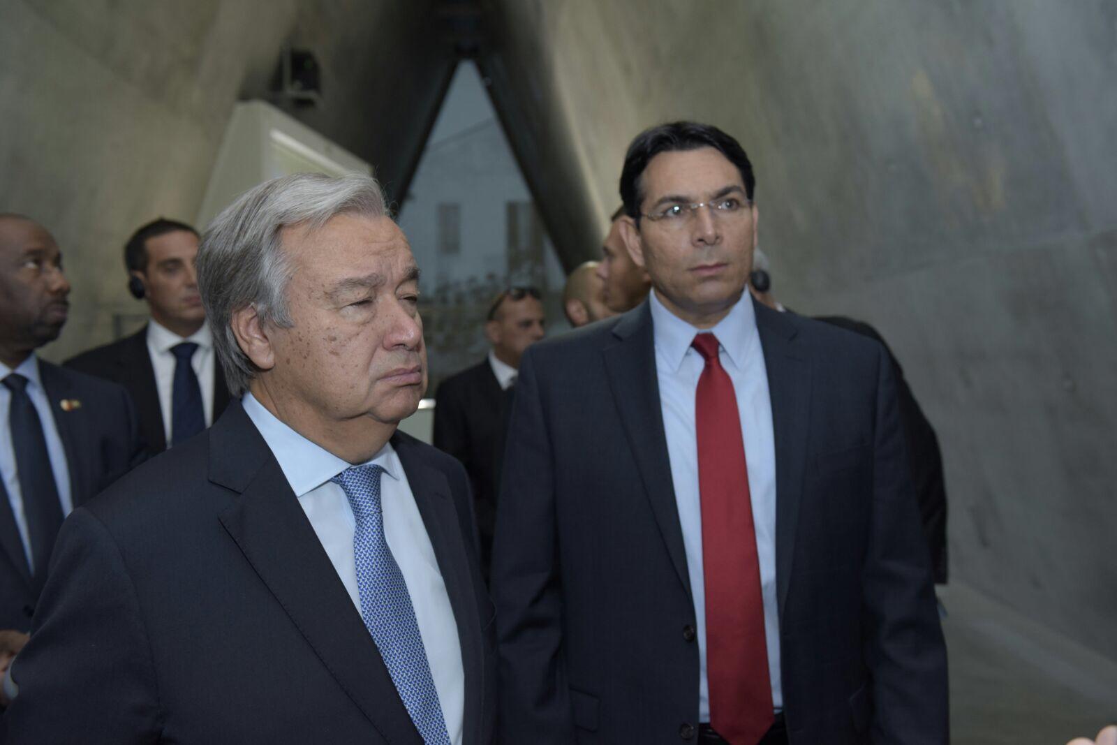 """דני דנון, שגריר ישראל באו""""ם ליווה את מזכ""""ל האו""""ם לאוהל יזכור ביד ושם"""