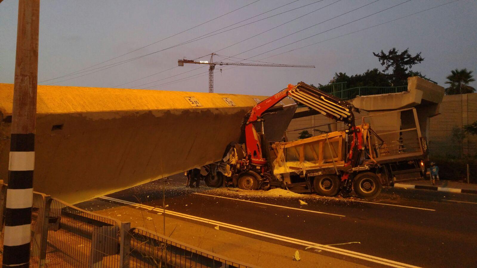 קריסת הגשר בכביש 4: הנחיות המשטרה לנהגים