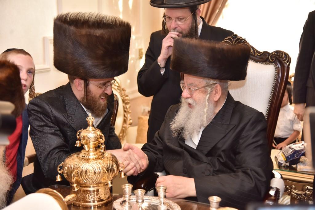 כתר של זהב ב'מתמידים': צפו בהכנסת ספר תורה לבית הכנסת בביתר