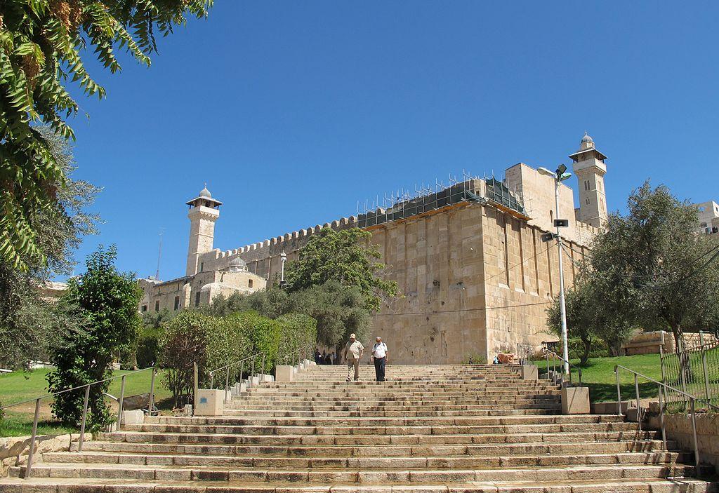 'הילולת האבות' במערת המכפלה: אולם יצחק ייפתח למתפללים יהודים