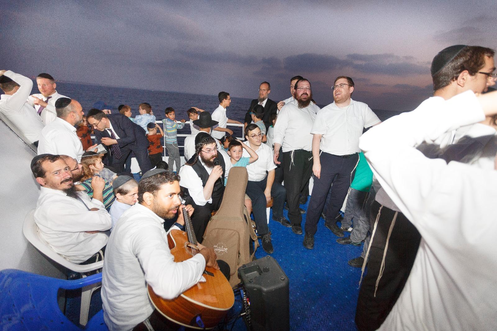 סיום מסכת ופתיחת בין הזמנים: צפו בסיום שנערך בשיט באוניה