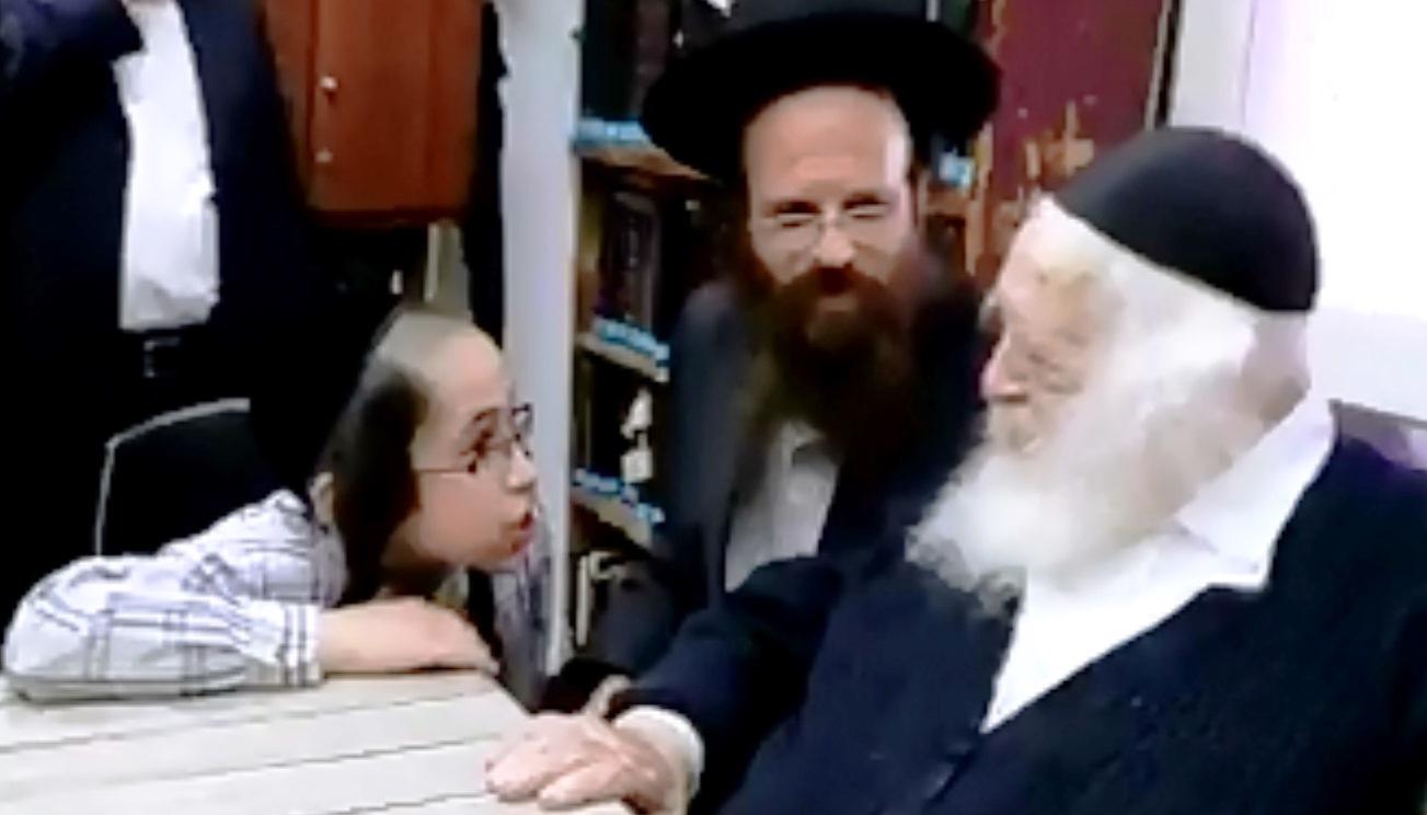 צפו: כשילד בן 11 מוכיח לשר התורה בקיאות בשס משניות