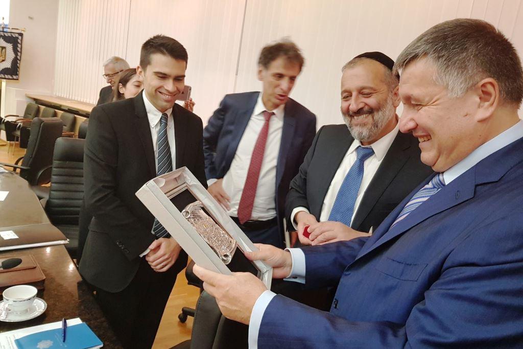 """ראש ממשלת אוקראינה לשר דרעי: """"אפעל להחזיר את ה'קלויז' הישן באומן לידיים יהודיות"""""""