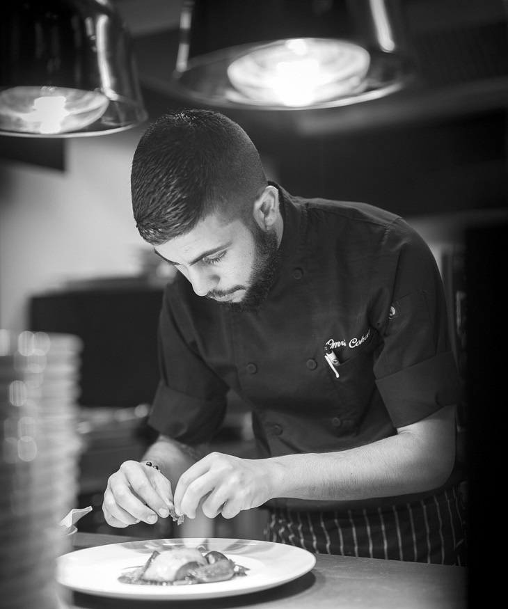 """שף מסעדת """"ווסט סייד"""" במלון רויאל ביץ' נבחר לייצג את ישראל בתחרות """"השף הצעיר והמבטיח"""""""