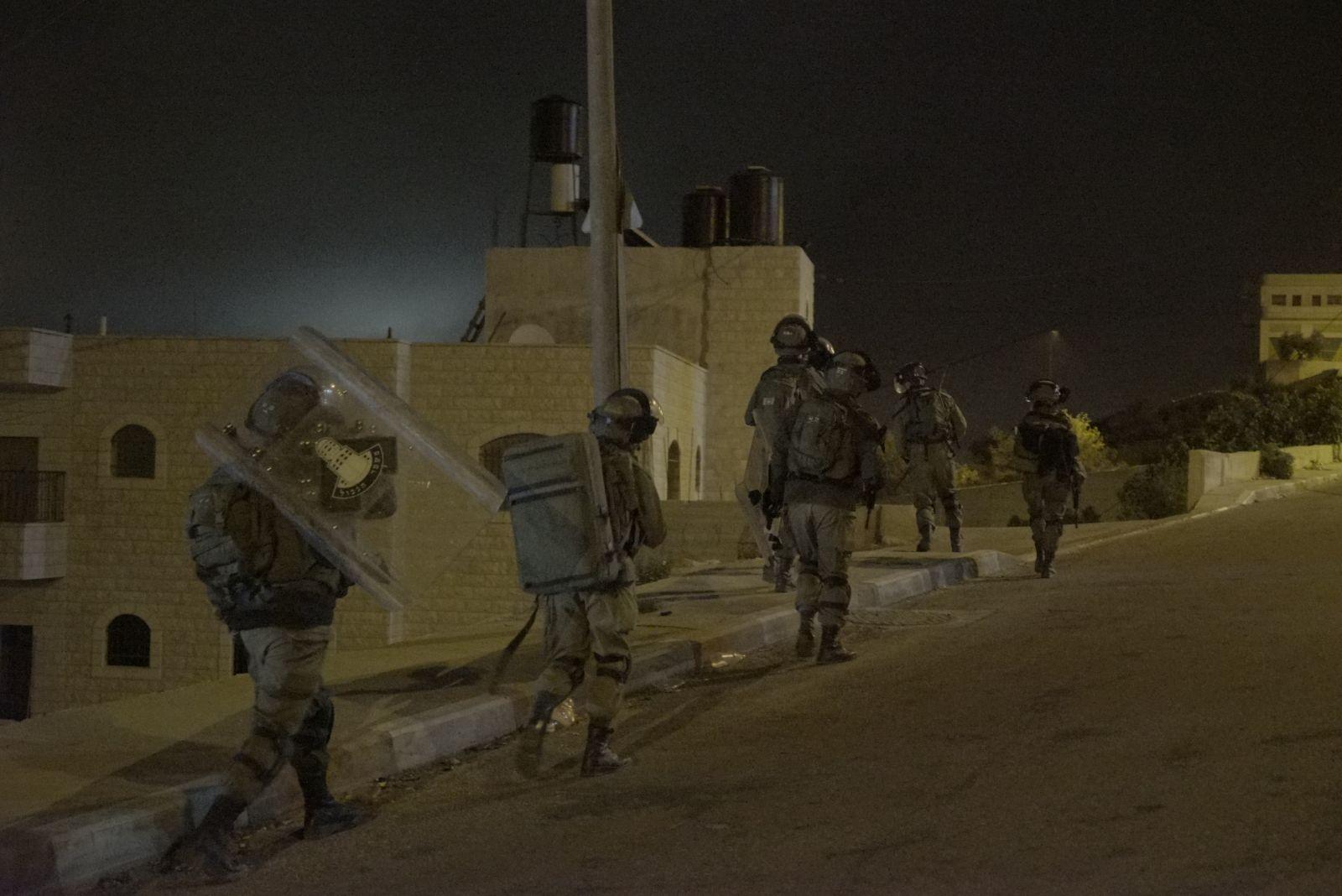 כוחות הביטחון פירקו את סוכת האבלים על מות המחבל • הבית: בקרוב