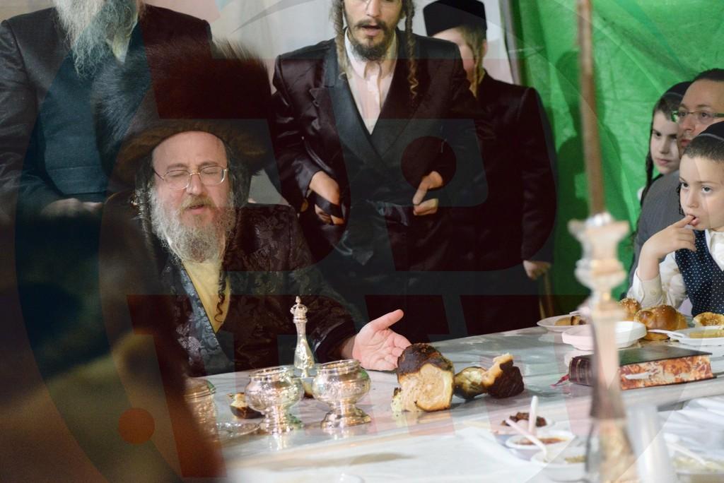 טיש אושפיזין דאהרן בחצר הקודש ביאלא בני ברק