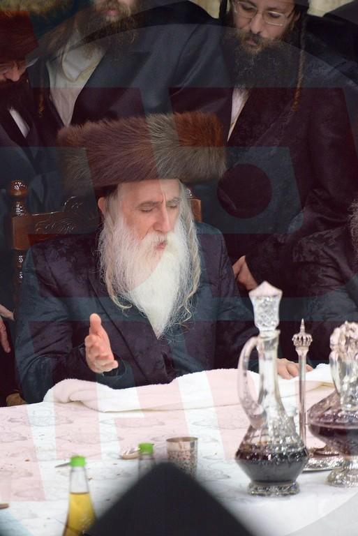 הוּא הַמַּשְׁבִּיר • אושפיזא דיוסף בחצר הקודש מחנובקא בעלזא