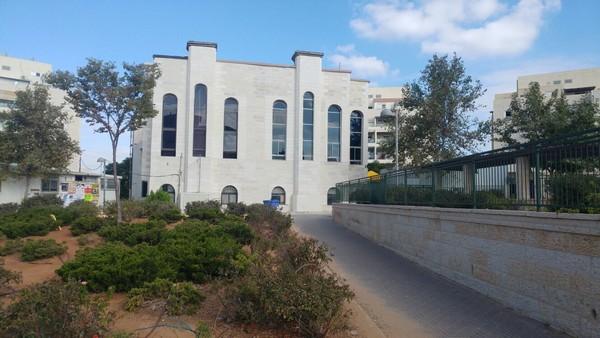 6 שנים מאז נקבעה המזוזה: חנוכת בית המדרש של סערט ויזניץ באלעד