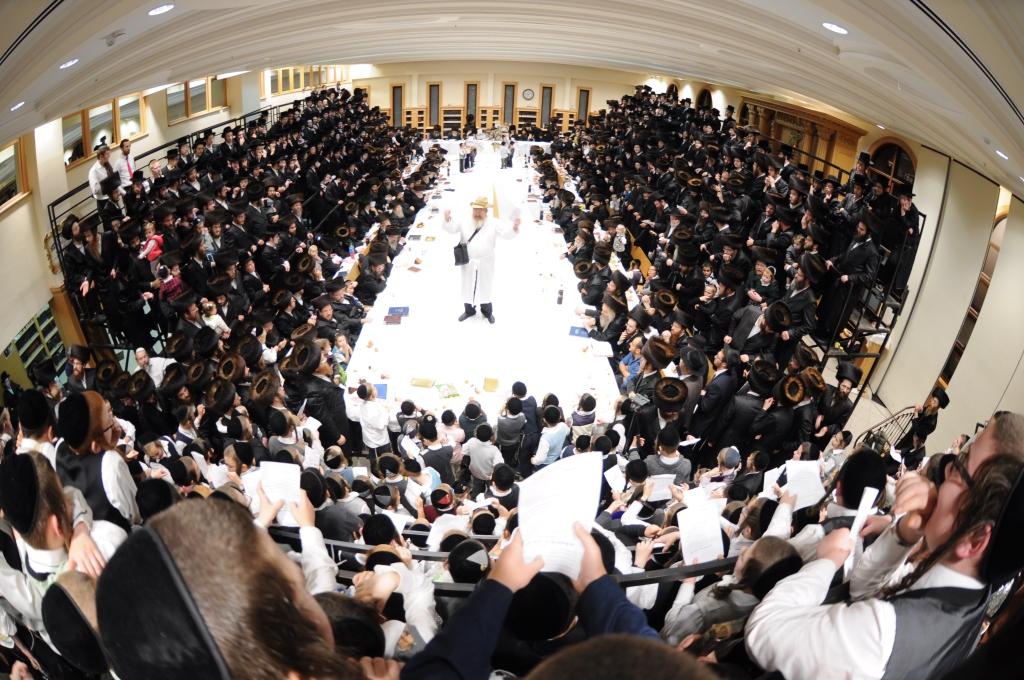 אֱמֶת מַה נֶּהְדָּר • שמחת תורה בחצר הקודש ערלוי
