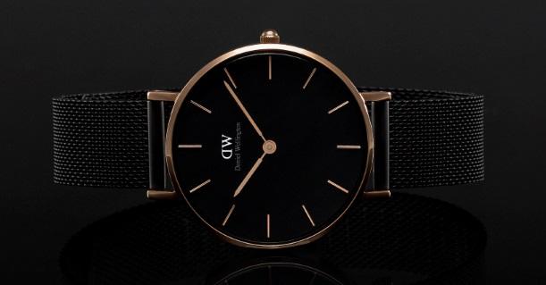 קנדל ג'נר משיקה שעון חדש!   שעון של המותג השבדי- Daniel Wellington