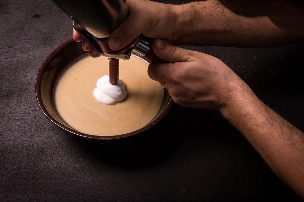 מרק חצילים חורפי של מור כהן