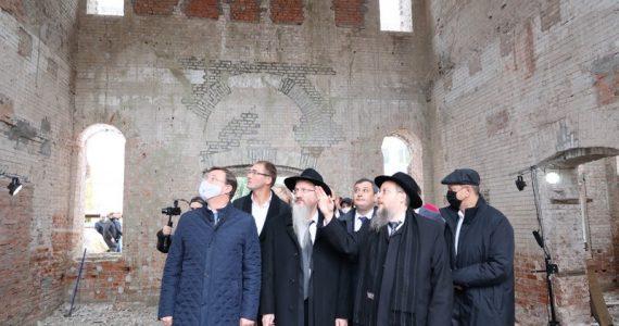 התחלנו: שיחזור בית הכנסת מהיפים והגדולים