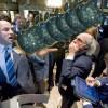 וול סטריט: ירידות קשות לapple בפתיחת המסחר