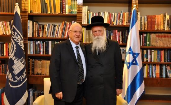 """הרב גרוסמן והנשיא ריבלין. צילום: מארק ניימן, לע""""מ"""